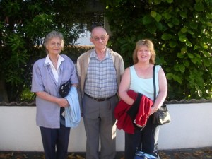 Grandma Hets and Grandpa Hendrikus and Mum